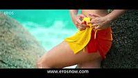 Alia Bhatt enters in a yellow bikini - Student Of The Year_low_00.mp4