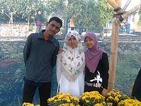Di taman bunga.jpg
